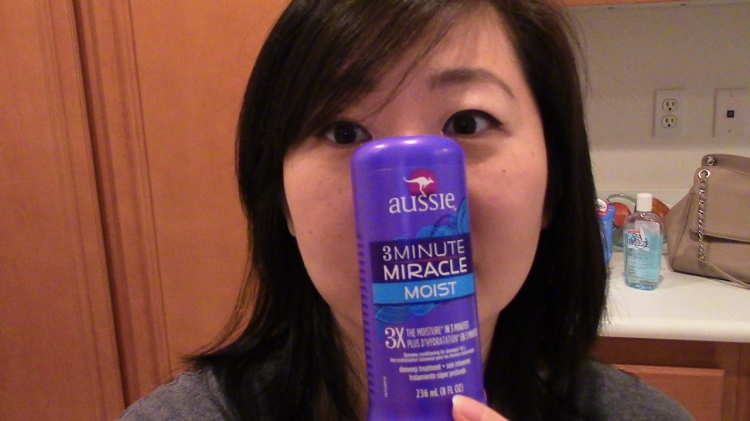 AUSSIE 3 Minute Miracle Moist Deeeeep Conditioner | It worked for me, but.. | effortlessruth